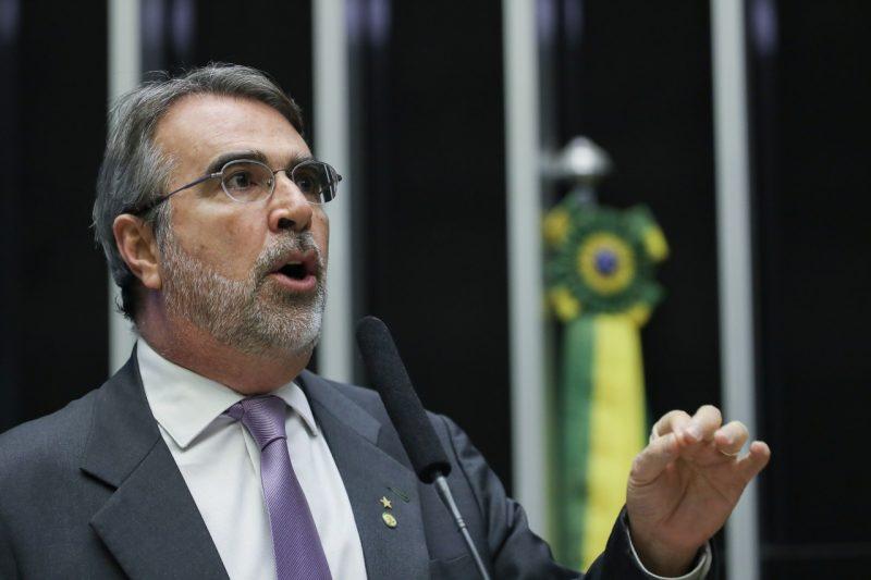Henrique Fontana:  Como escapar das armadilhas midiáticas criadas por Bolsonaro nas redes sociais e repercutidas na grande imprensa?