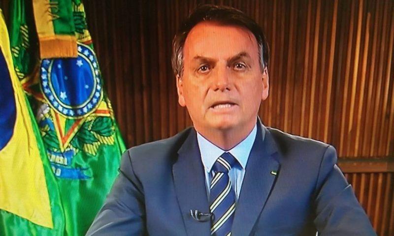 """Cientistas de Santa Catarina dizem que pronunciamento """"de alguma autoridade nacional"""" pode ter afetado curva do coronavírus no Brasil; íntegra do estudo"""