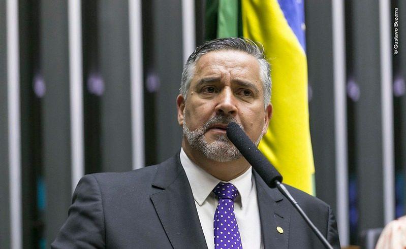 Pimenta: Brasil disputa com Qatar título de campeão mundial de desigualdade; tributar grandes fortunas é tema interditado