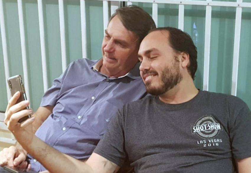 Boulos duvida que vereador Carlos seja capaz de articular o sofisticado esquema dos Bolsonaro nas redes sociais; vídeo