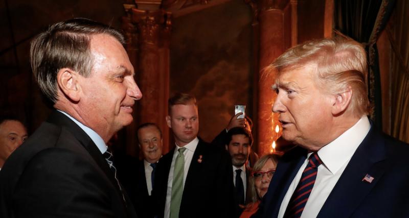 """Bolsonaro, retratado no Financial Times: """"Muito mais estúpido"""" que Trump"""
