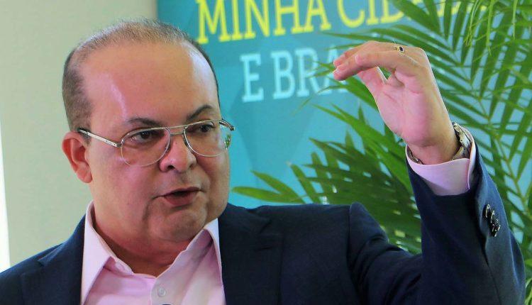 Professor Heleno Corrêa alerta: É mentira que  'epidemia está cedendo'; no DF, governador terceiriza SUS enquanto passa a boiada da covid-19