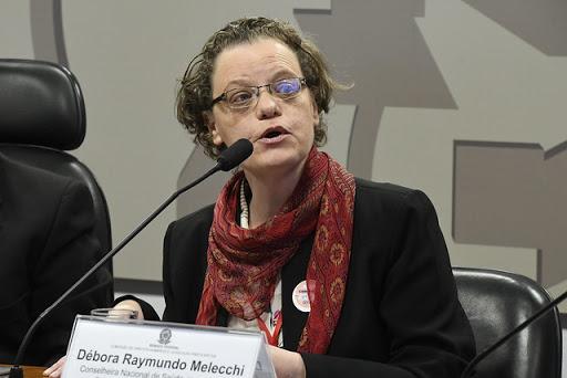 Débora  Melecchi: Uso da cloroquina para covid-19, um perigo evitável à saúde