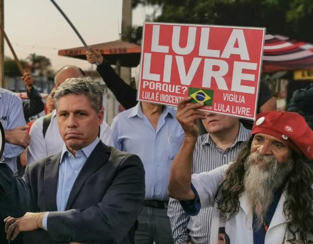 Paulo Teixeira envia notícia-crime contra Moro por dolo no vazamento do telefonema entre Lula e Dilma