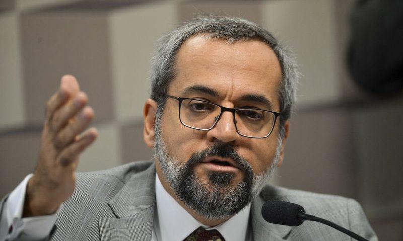 Professores da Unifesp detonam Weintraub: Incompetente, gestão desastrosa, aparelhamento, conduta inadequada, fala golpista