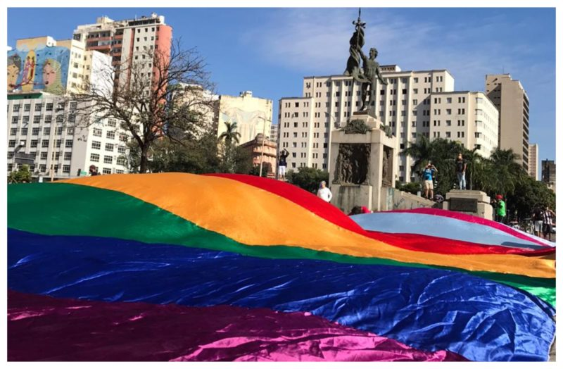 Parada do Orgulho LGBT de BH: Vamos vencer o vírus e derrotar o verme!; vídeo