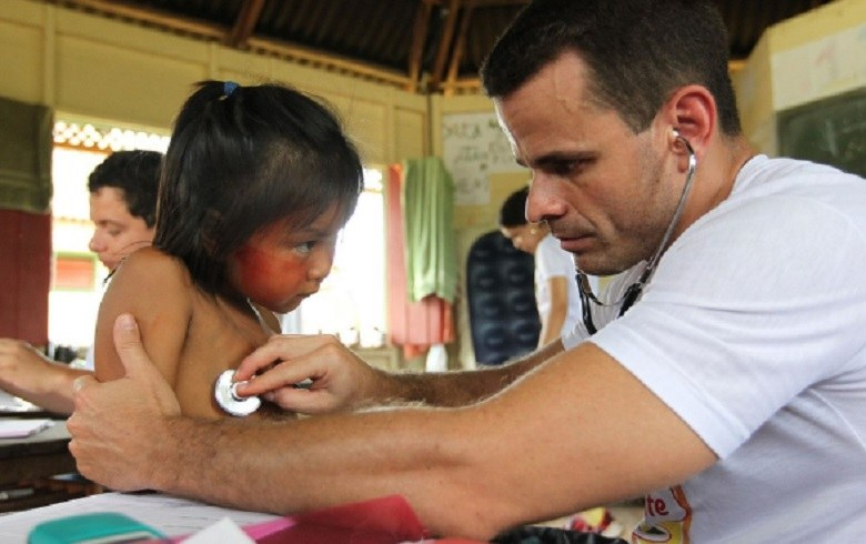 """""""Pandemia se soma a graves problemas já enfrentados pelos povos indígenas e profissionais que cuidam deles"""""""