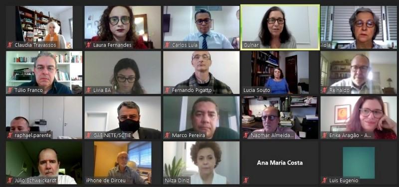 Pandemia: 13 sociedades científicas e CNS entregam ao Ministério da Saúde plano contra covid; íntegra e áudio