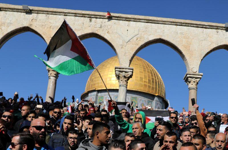 Federação Palestina do Brasil: Emirados Árabes premiam Israel e EUA por seus crimes contra o povo palestino