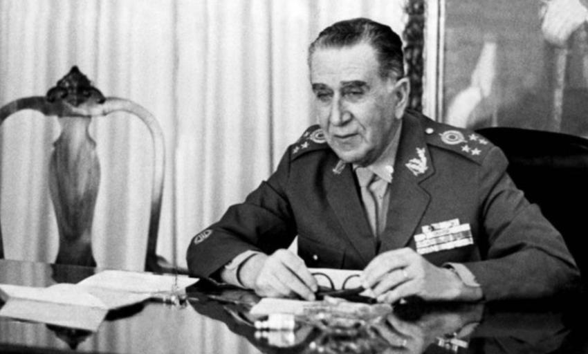PT denuncia que Bolsonaro está recriando o SNI da ditadura militar
