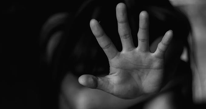 Médicas denunciam violência extrema contra criança estuprada: Meninas não são mães!; vídeo