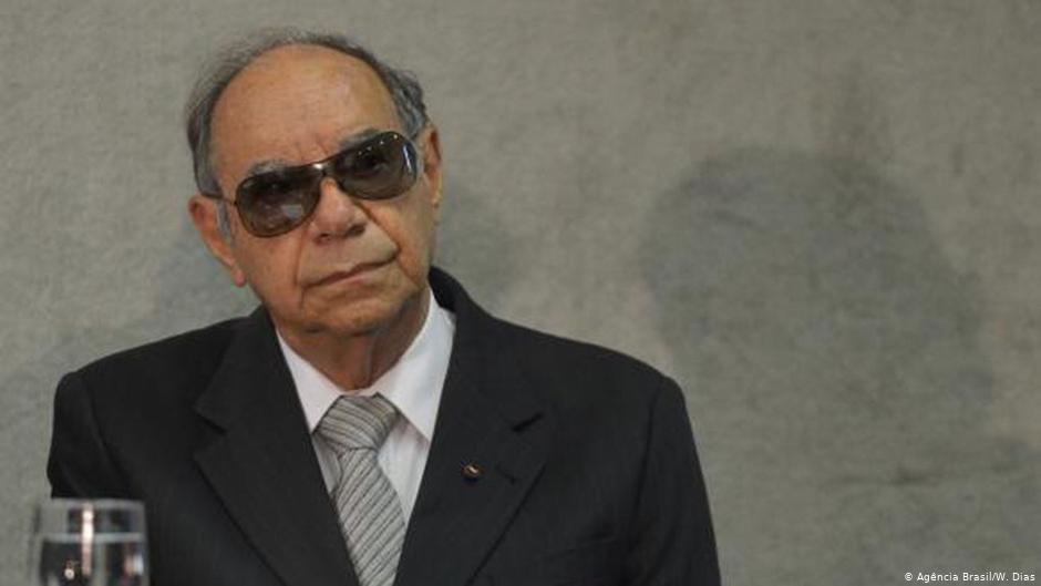 """Antigos subordinados confirmam a jornalista papel de Ustra como chefe do centro de tortura e morte do DOI: """"Mourão pode ler e ouvir os relatos"""""""