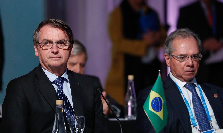 Pressão nas redes fez Bolsonaro revogar decreto que privatiza o SUS; mas não se iludam, ele voltará à carga no futuro