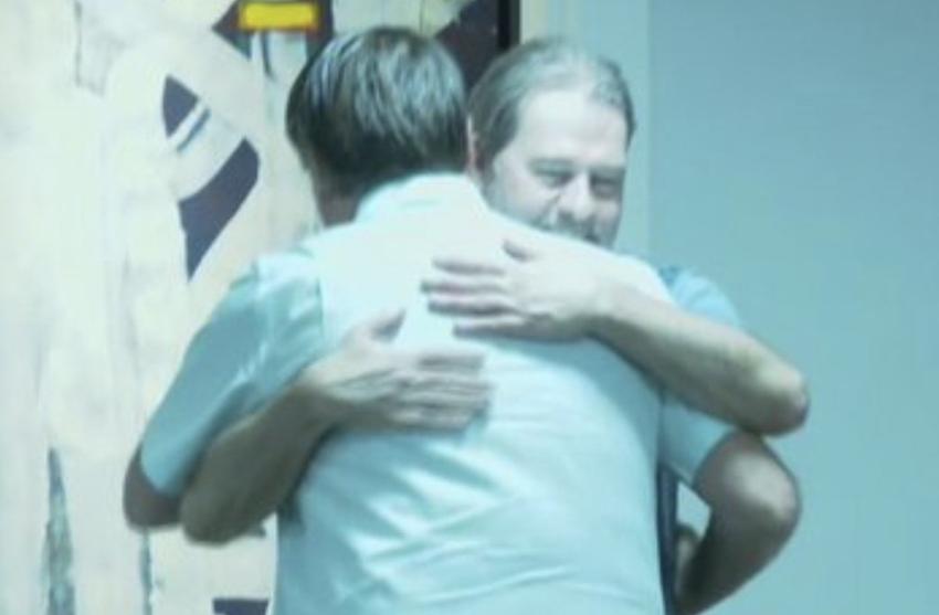 Abraço de Bolsonaro em Toffoli reelege Alcolumbre presidente do Senado: com STF, com tudo — e 5 pizzas