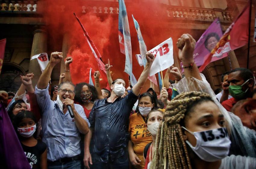 PT perdeu 64% de suas prefeituras desde 2004 e PSDB, 56%