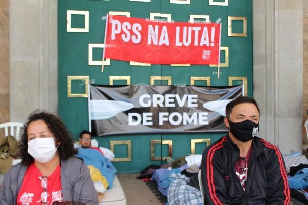 Mauren Luc: Professores do Paraná há 150h sem comer; governo Ratinho Júnior silencia