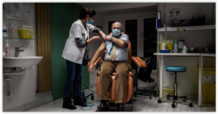 Diogo Coutinho, Octávio Ferraz e Conrado Hubner: Somente a fila única para vacina passa no teste da decência