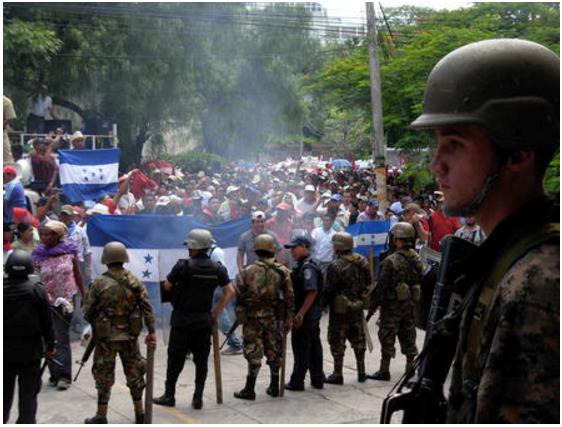 """Raúl Zibechi: Com Biden haverá mais """"revoluções coloridas"""" na América Latina"""
