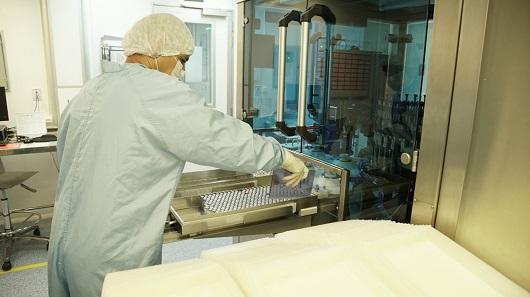 Covid-19: Fiocruz assina contrato de transferência de tecnologia com AstraZeneca até março
