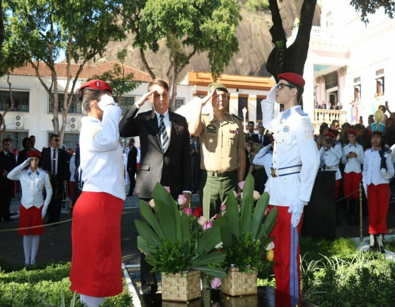 Sindicato dos Servidores Federais questiona se militares com Covid estão dando aulas no Colégio Militar do RJ