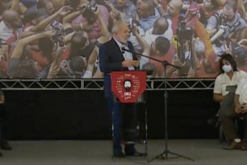 Lance genial de Lula foi  dizer que, sob perseguição da Lava Jato, sofreu menos que o povo brasileiro sob Bolsonaro