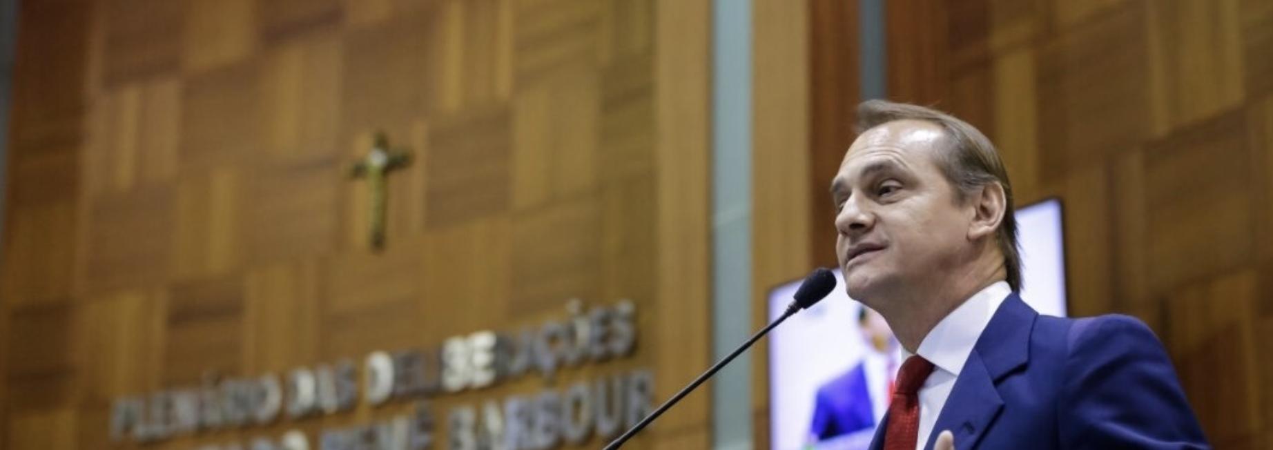 Deputado de Mato Grosso, defensor de volta às aulas, cita morte de até metade da população de Cuiabá, mas diz que foi mal interpretado
