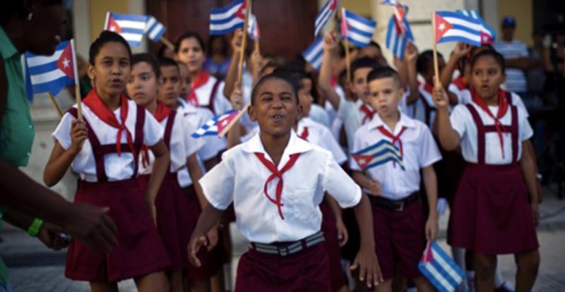 """Cuba rebate editorial da Folha: """"Não temos crianças pedindo nas ruas, nem desnutrição infantil"""", apesar de bloqueio genocida"""
