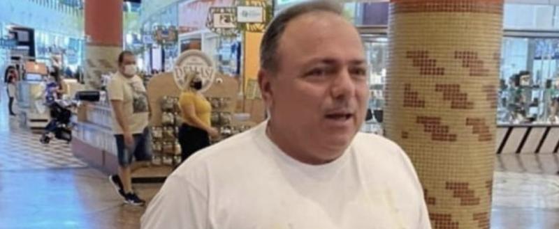 Depois de andar sem máscara em shopping, Pazuello diz que teve contato com covid e não vai depor; acompanhe a fala do ex-ministro Mandetta