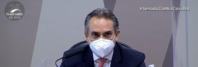 CPI: Pfizer confirma oferta ignorada de 70 milhões de doses de vacina ao Brasil, 1,5 milhão ainda em 2020; EUA começaram a vacinar em 14 de dezembro