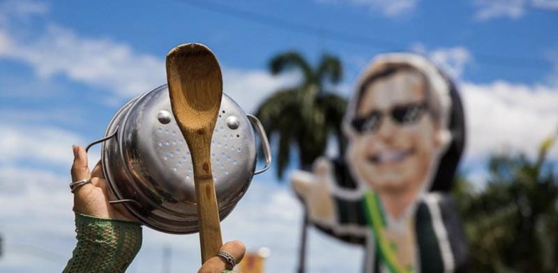 """Maringoni: Bolsonaro tem seu """"Centrão de fuzil"""" para tentar repetir Trump em 2022"""