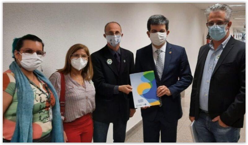 CNS entrega à CPI documentos que mostram negligência do governo Bolsonaro na pandemia; íntegra do relatório