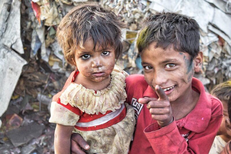 Leonardo Boff: Mais do que nunca faz-se urgente viver a compaixão e não deixar o outro só