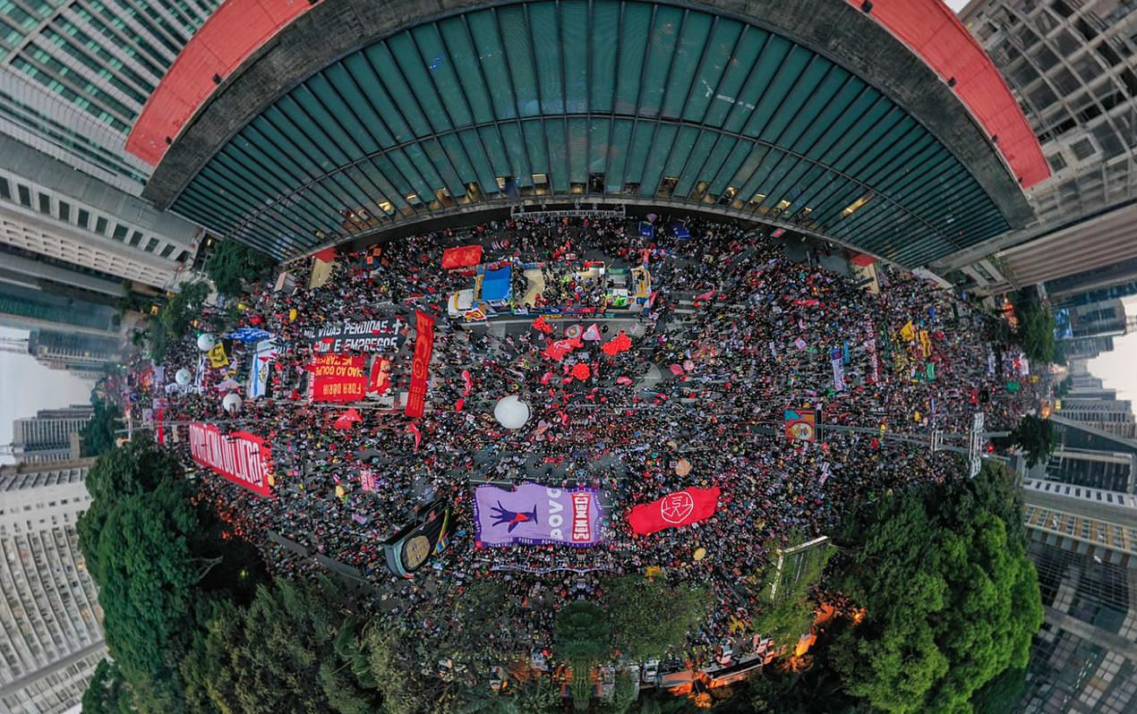 Protestos contra Bolsonaro reúnem 750 mil pessoas em 427 atos no Brasil e exterior; na Avenida Paulista, 100 mil; fotos e vídeos