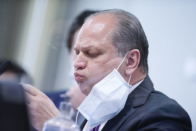 Mário Scheffer: Com arrogância e deboche, Ricardo Barros exibe na CPI sua habitual falta de apreço pela saúde pública