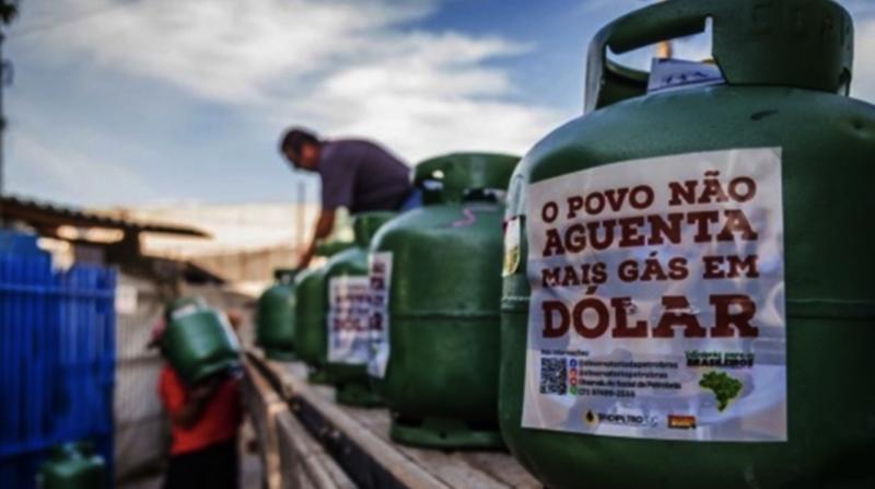 Com preço da gasolina e gás em disparada, acionistas estrangeiros mamam bilhões da Petrobras