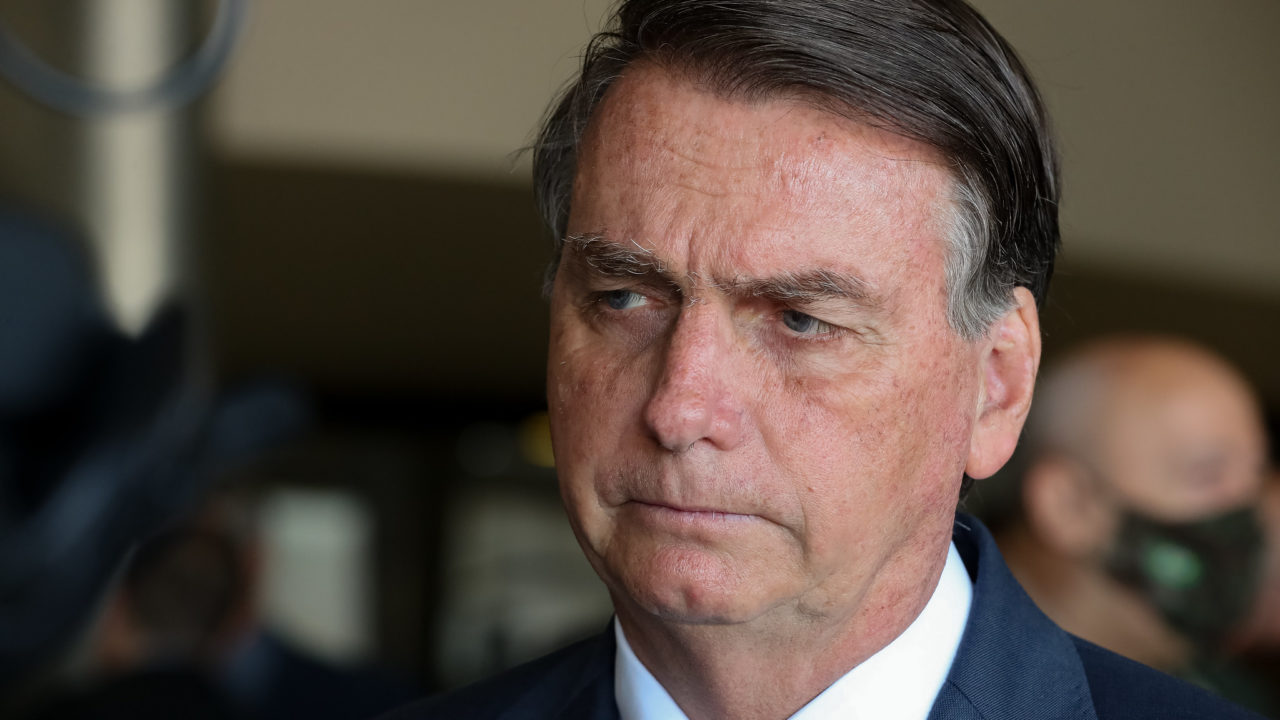 59% dos jovens rejeitam Bolsonaro, só 29% dos evangélicos o apóiam e hoje presidente correria risco de não passar ao segundo turno