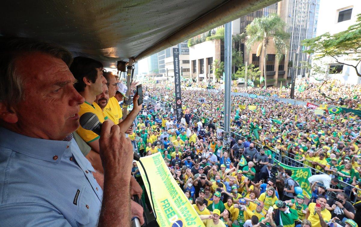"""Esther Solano discorda de que os atos bolsonaristas floparam: """"A Paulista demonstrou isso; não eram 4 gatos pingados"""""""