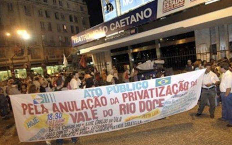 Sindicalista histórico diz que falta coragem política à esquerda para cercar Bolsonaro, como se fez com FHC