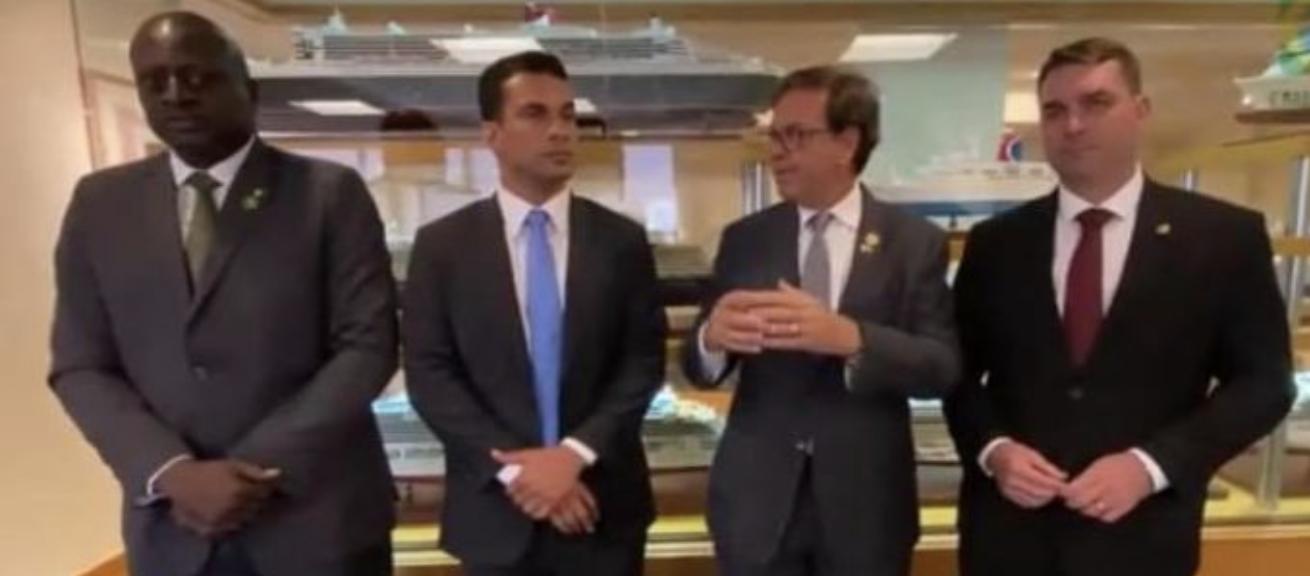 Trento, suspeito de lavar dinheiro da Precisa, encontrou com Flávio Bolsonaro em viagem aos Estados Unidos