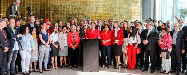 Pimenta: Derrubada de Dilma, golpe e crime contra o povo brasileiro