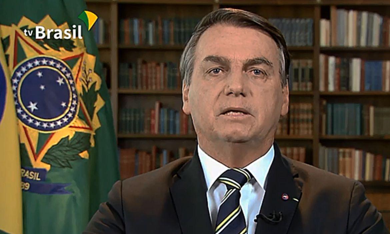 """Sob influência de Temer, Bolsonaro arrega e diz que agiu """"sob o calor do momento""""; íntegra da nota"""