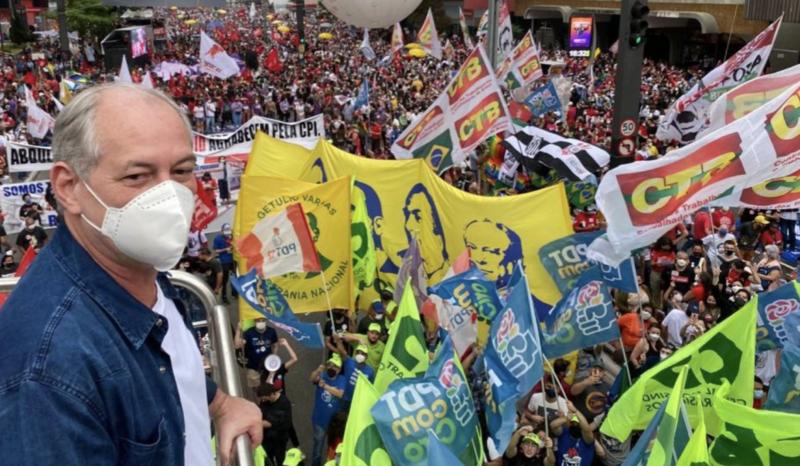"""Vaiado na Paulista, Ciro Gomes fala em """"fascismo de vermelho""""; vídeo"""