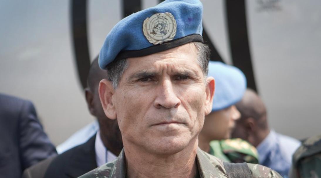 Jeferson Miola: Santos Cruz não é solução, mas parte do problema